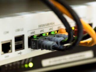 Internet router med stik i
